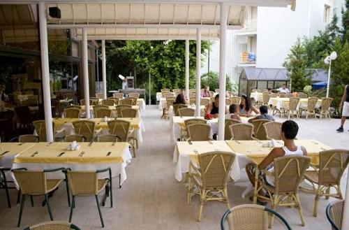 Hotel Kaya Maris  restaurant.JPG