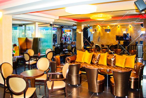 Paralia Katerini, Hotel Dion, bar, mese.jpg