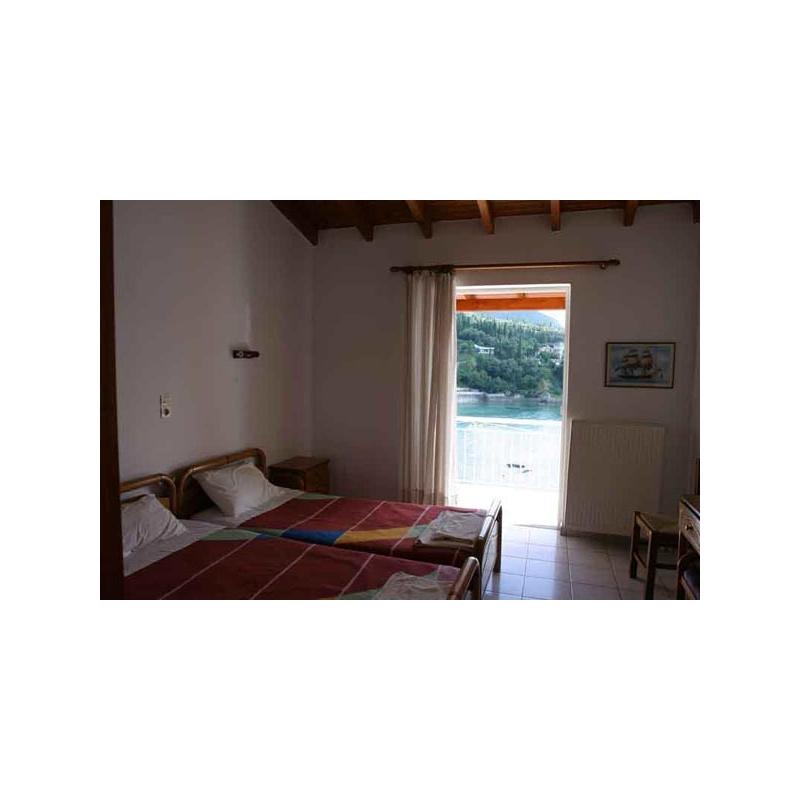 DINI - room.jpg
