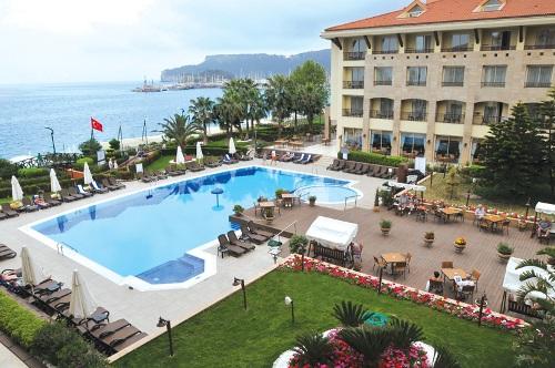 Hotel Fame Residence Kemer piscina.jpg