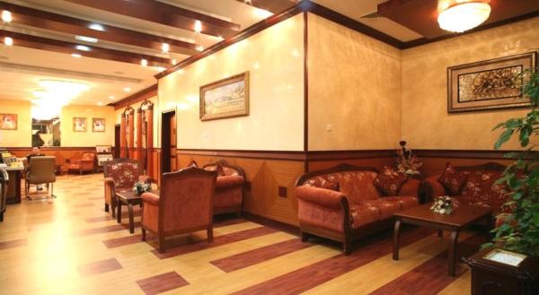 Dubai, Hotel Fortune Deira, lounge.jpg