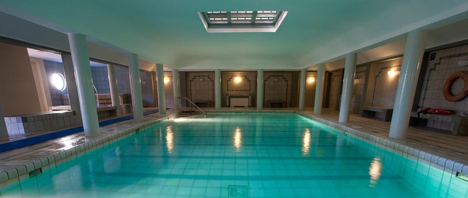 Creta, Hotel Aquis Bella Beach, piscina interioara.jpg