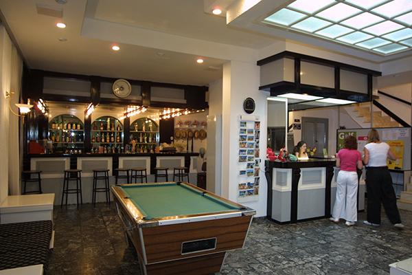 iro-lobby-bar-2.jpg