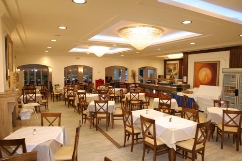 Hotel Chrousso Village restaurant.jpg