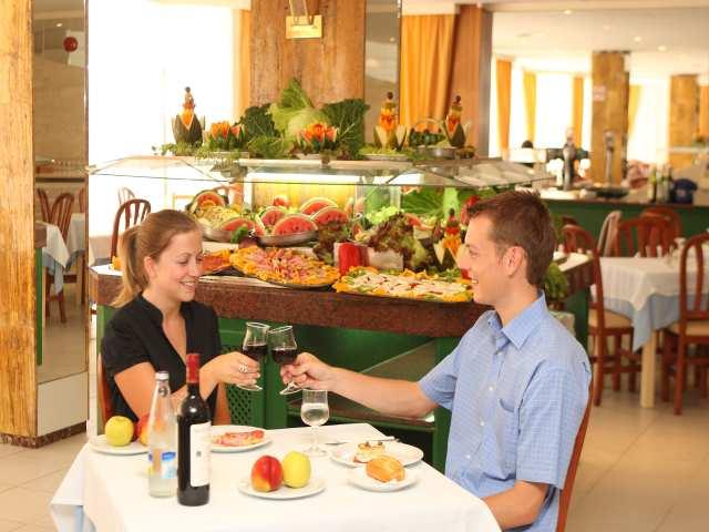 restaurant_at_the_HSM_Don_Juan_Hotel.jpg