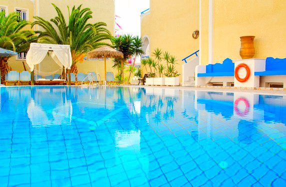 Santorini, Zeus, exterior, piscina.jpg