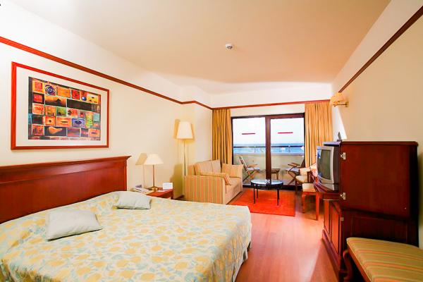 Bodrum, Hotel Aegean Dream, camera, vedere mare, pat, TV.jpg