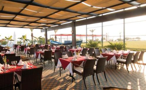 Hotel Long Beach Resort restaurant.JPG