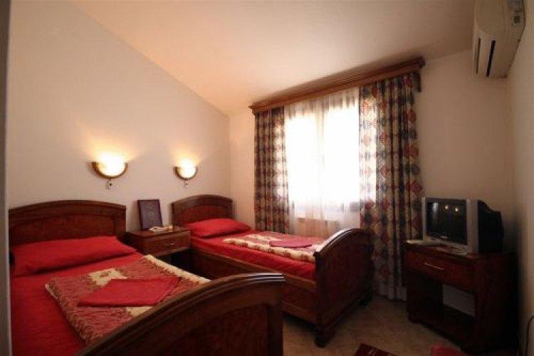 b_muntenegru_budva_hotel_grbalj_77778.jpg