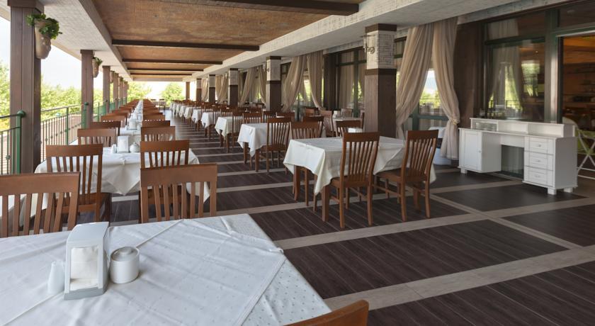restaurant imperial.jpg