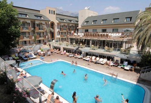 Hotel Ambassador piscina.JPG