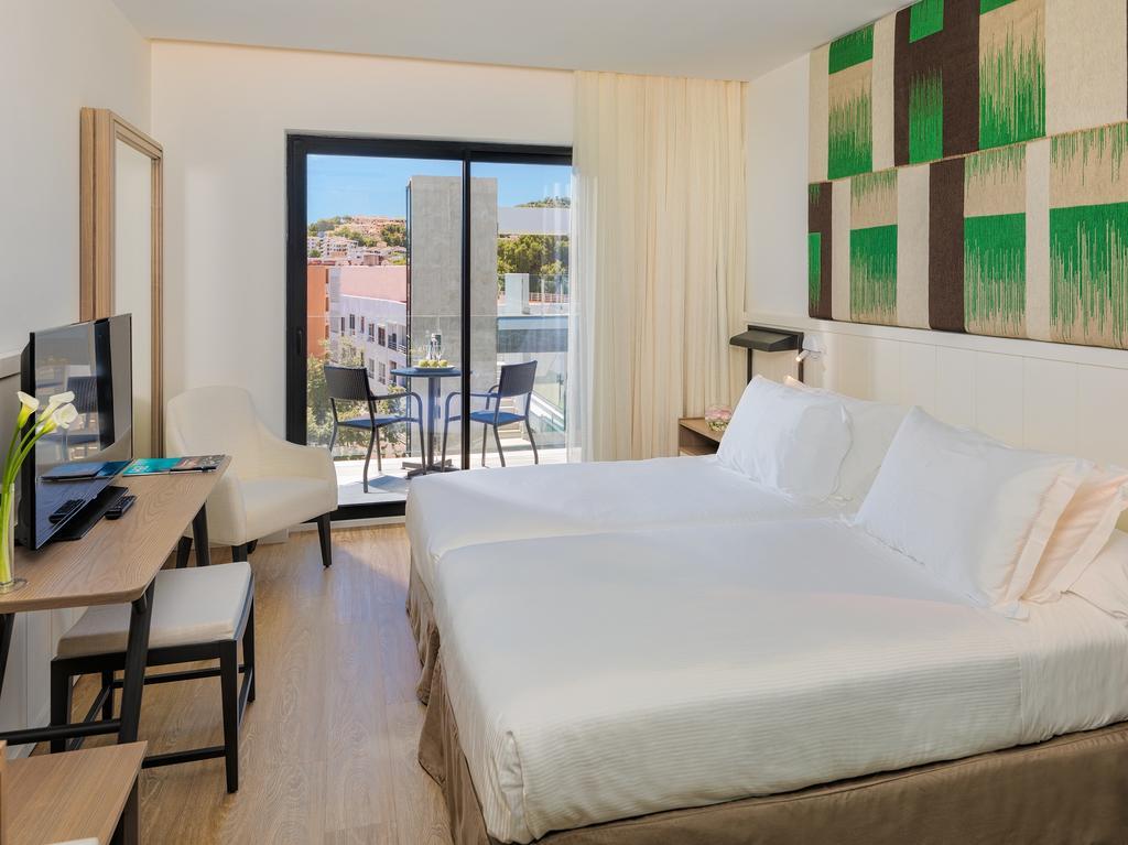 Mallorca_Hotel_H10_Casa_Del_Mar_camera.jpg