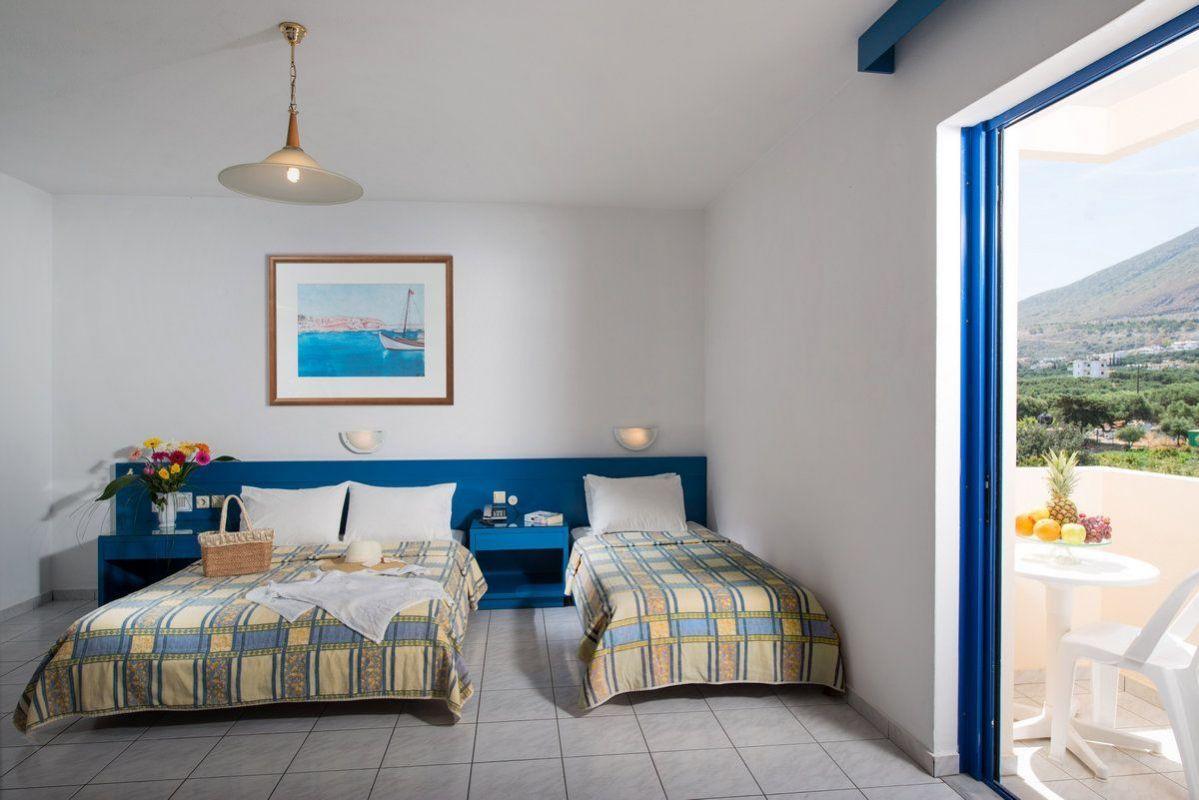 Triple-Room-1.jpg