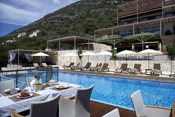 Lefkada, Hotel San Nicolas Resort, exterior, piscina, hotel, terasa.jpg