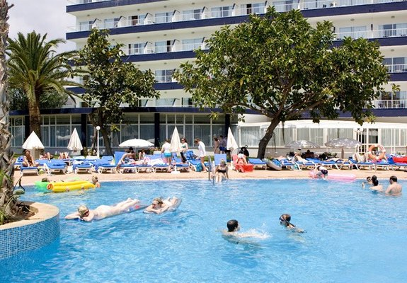 piscina Hotel Atlantic Park.jpg