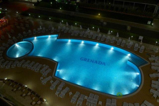grenada piscina.jpg