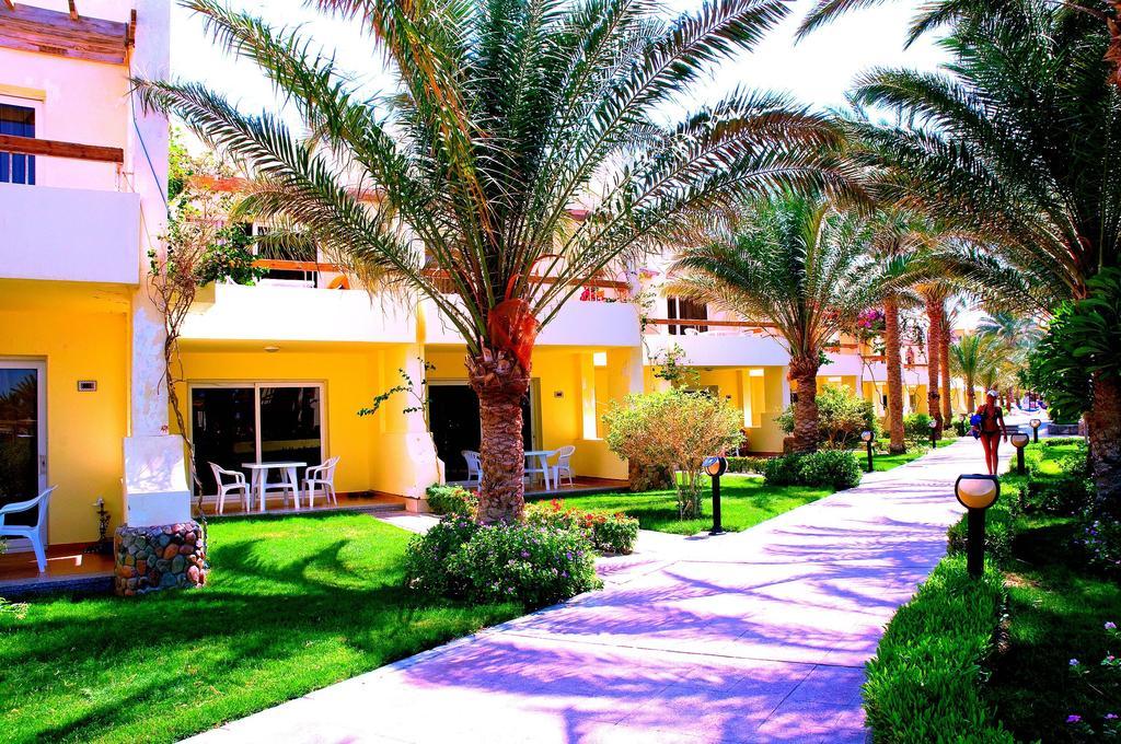 Palm Beach Resort  9.jpg