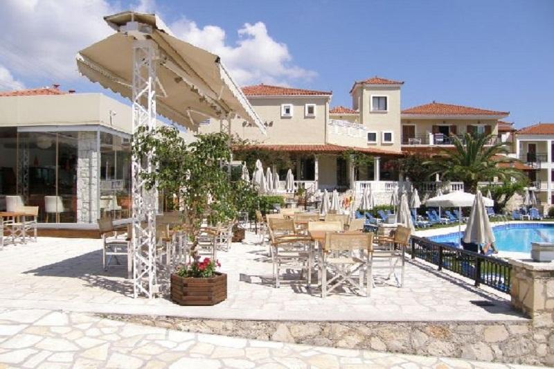 BAR9400_AT_THE_Pallas_Hotel.jpg