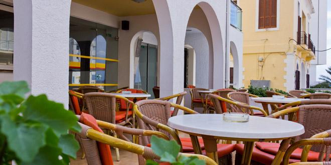hotel-africa-1395665490.jpg