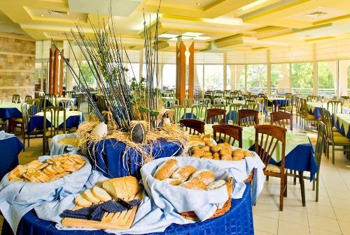 Hotel Laguna Beach restaurant.JPG