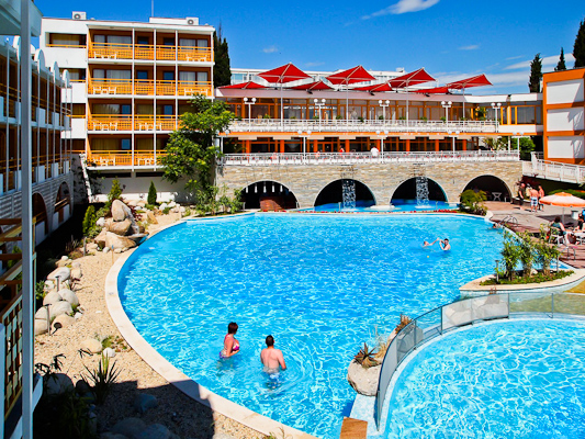 Sunny Beach, Hotel Nesebar Beach, piscina exterioara.jpg