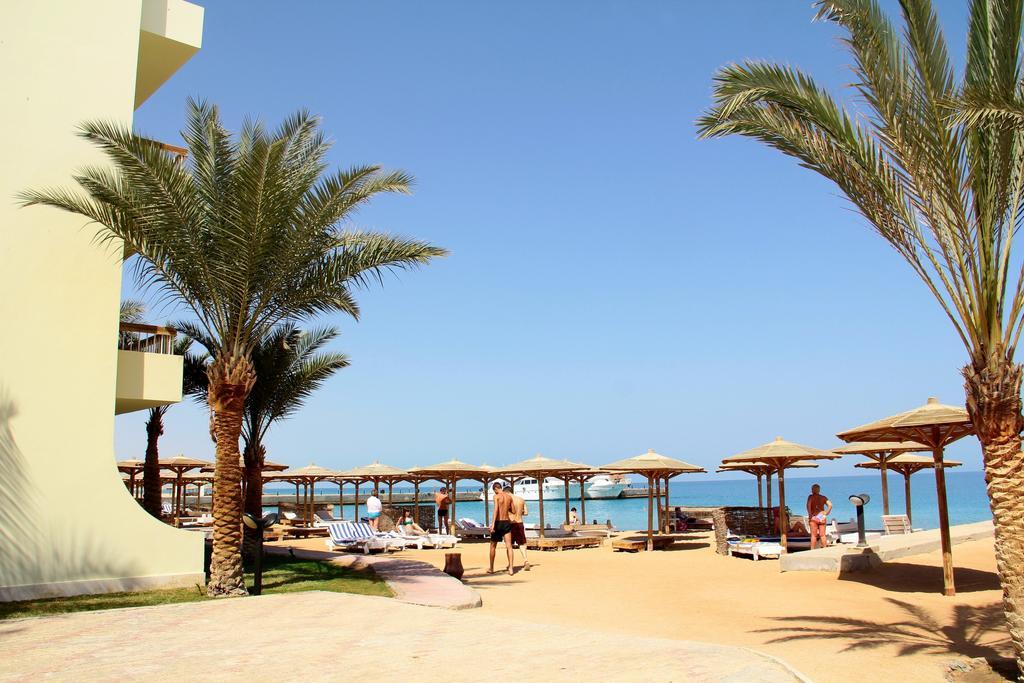 Palm Beach Resort  5.jpg