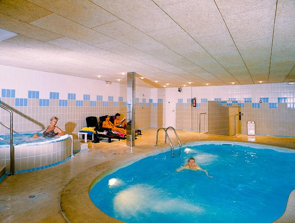Costa Brava, Hotel Maritim, piscina interioara.jpg