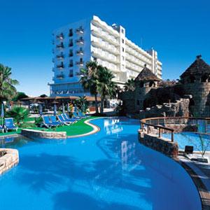 lordos_beach_hotel_exterior_larnaka_cyprus.jpg