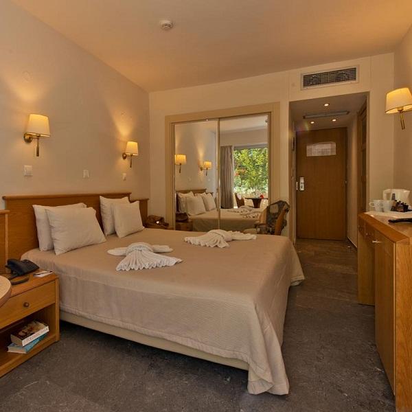 minos_hotel-double_room1 resized.jpg