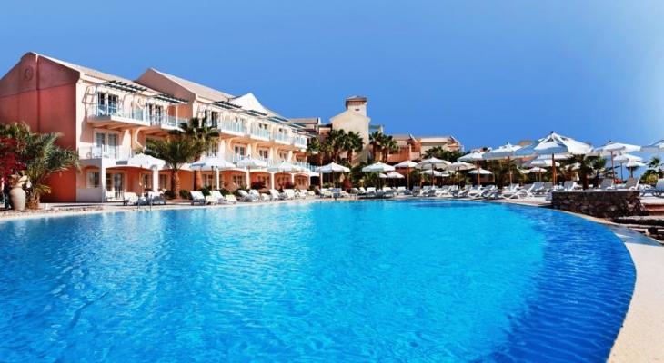 Hurghada, Hotel Movenpick El Gouna, piscina exterioara.jpg