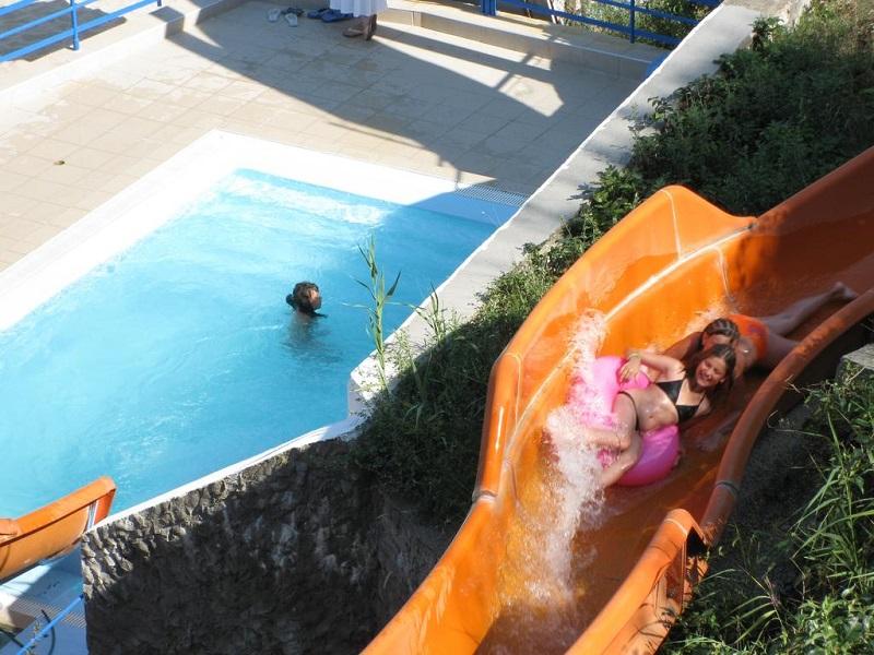 Hotel Sun Village Divertisment.jpg