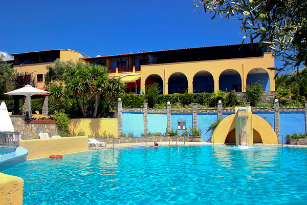Pool - Restaurant View.jpg