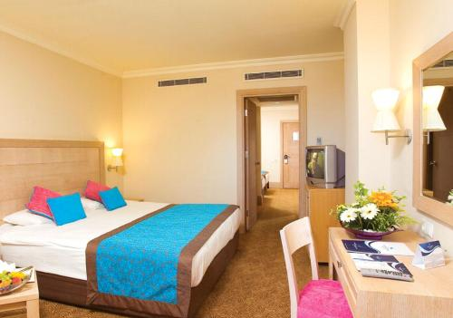 Hotel Crystal Deluxe Resort & Spa camera pentru familii.JPG