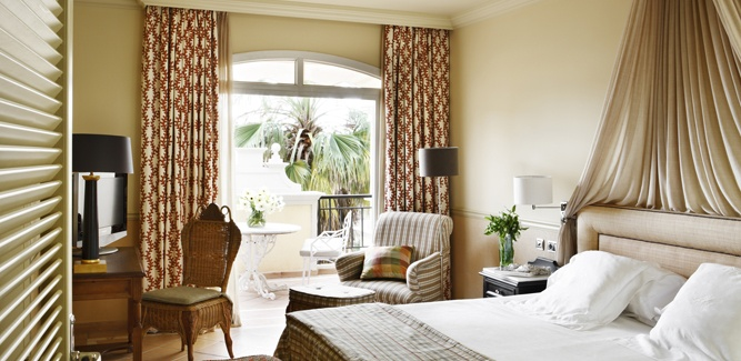 BAHIA DEL DUQUE room.jpg
