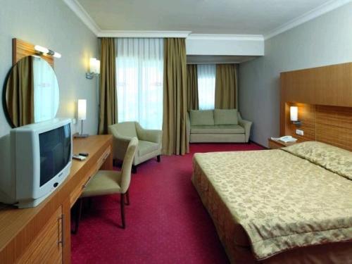 Hotel Grand Cettia camera.JPG