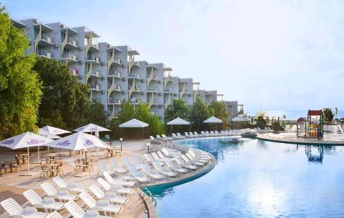Hotel Laguna Beach piscina.JPG