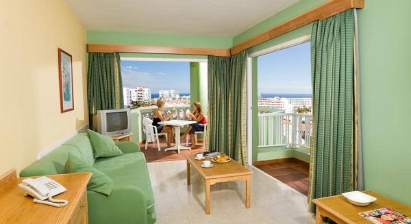 Hotel Villa Adeje Beach, Tenerife, camera, apartament, terasa.jpg
