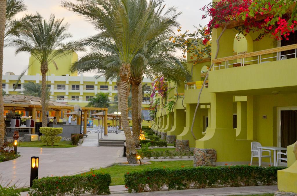 Palm Beach Resort  7.jpg