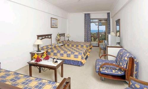 Hotel Paloma Beach Resort camera.JPG