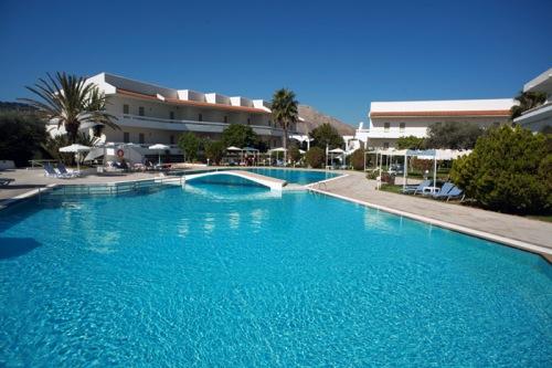 Hotel Niriides Beach.jpg