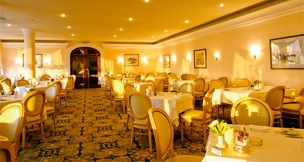Corfu, Hotel Corfu Palace, restaurant.jpg
