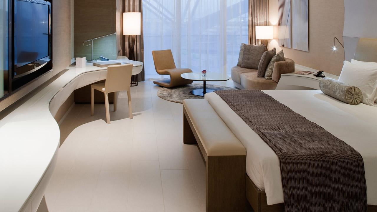 yas-deluxe-bedroom-1280x720.jpg