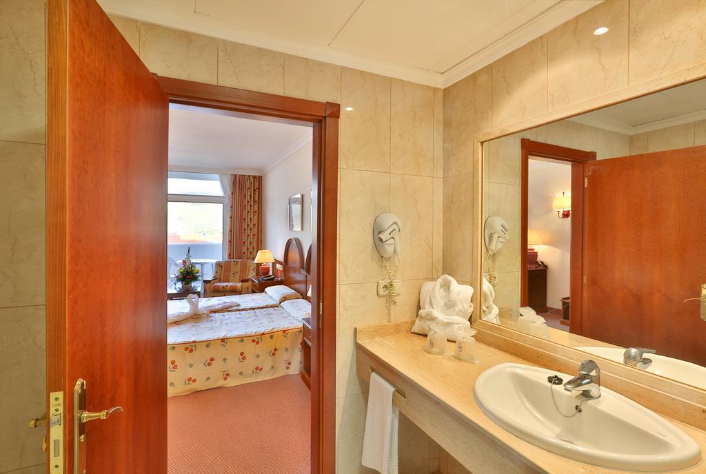 Blue Sea Puerto Resort 10.jpg