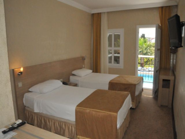 Hotel Arinna Club camera.JPG
