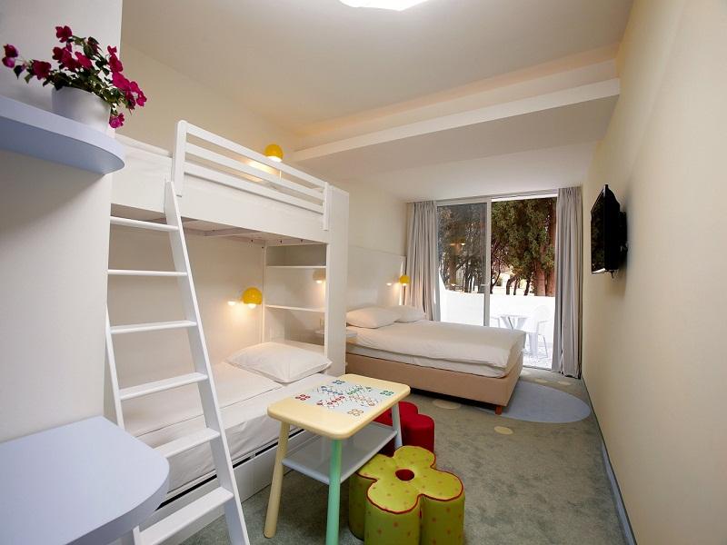 Solaris-Kids-hotel_andrija_room_001.jpg