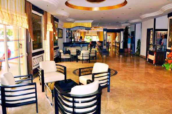 Alanya, Hotel Kleopatra Ada, interior, lobby bar.jpg