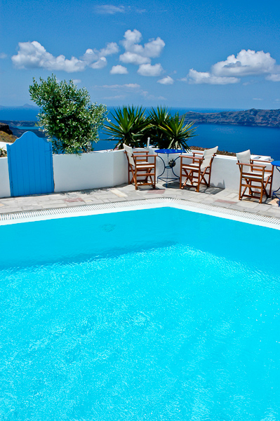 Remezzo Santorini - Pool area.jpg