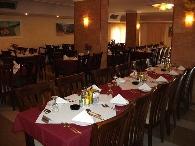 hotel_restaurant1.jpg