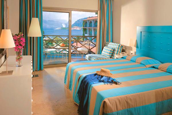 Marmaris, Hotel Marti la Perla, camera, pat dublu, terasa.jpg