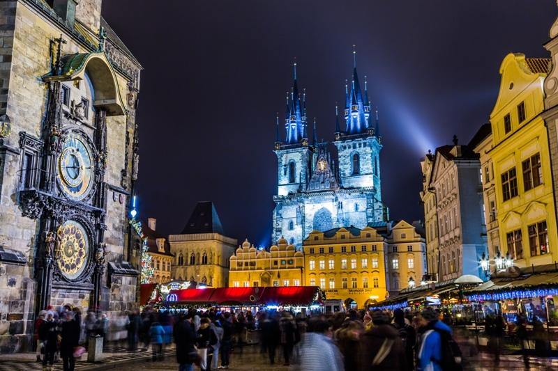 Praga-Piata Craciun HelloHolidays.jpg